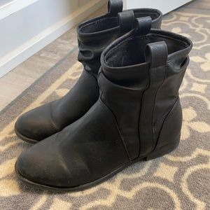 Women's size 7 black ankle boots